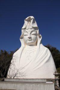大船観音寺の観音像